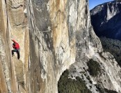24709DC600000578-2897763-Mountaineers_The_first_climber_reached_El_Capitan_s_summit_in_19-a-14_1420525074353